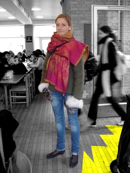 Regitze with a huge scarf, mittens and small shoes